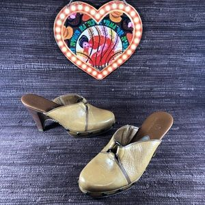 Coke Haan Tan Leather Clogs 6
